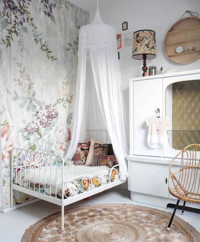 vintage french kids room